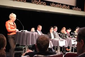 Maria Kaisa Aula ja kansanedustajapaneeli 2013-11-20.23